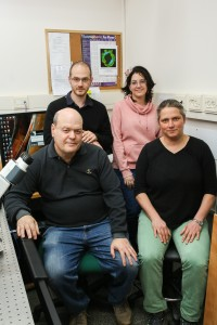 picture of research team led by Prof. Kinnert Keren and Prof. Erez Braun